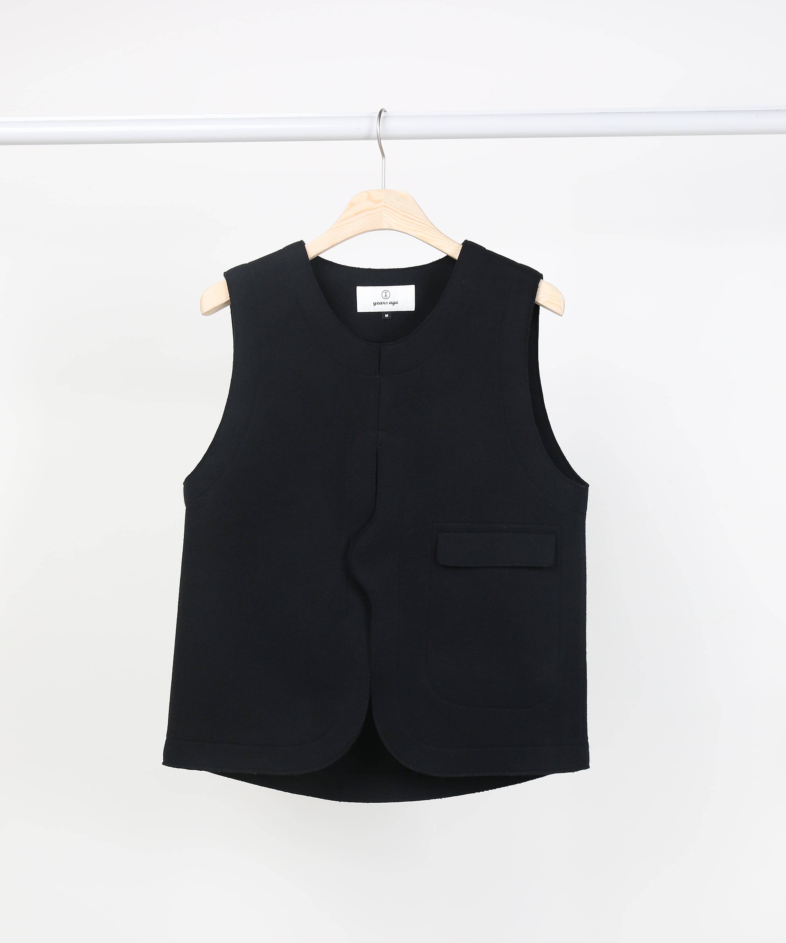 BLACK ADJUSTABLE VEST 01-2