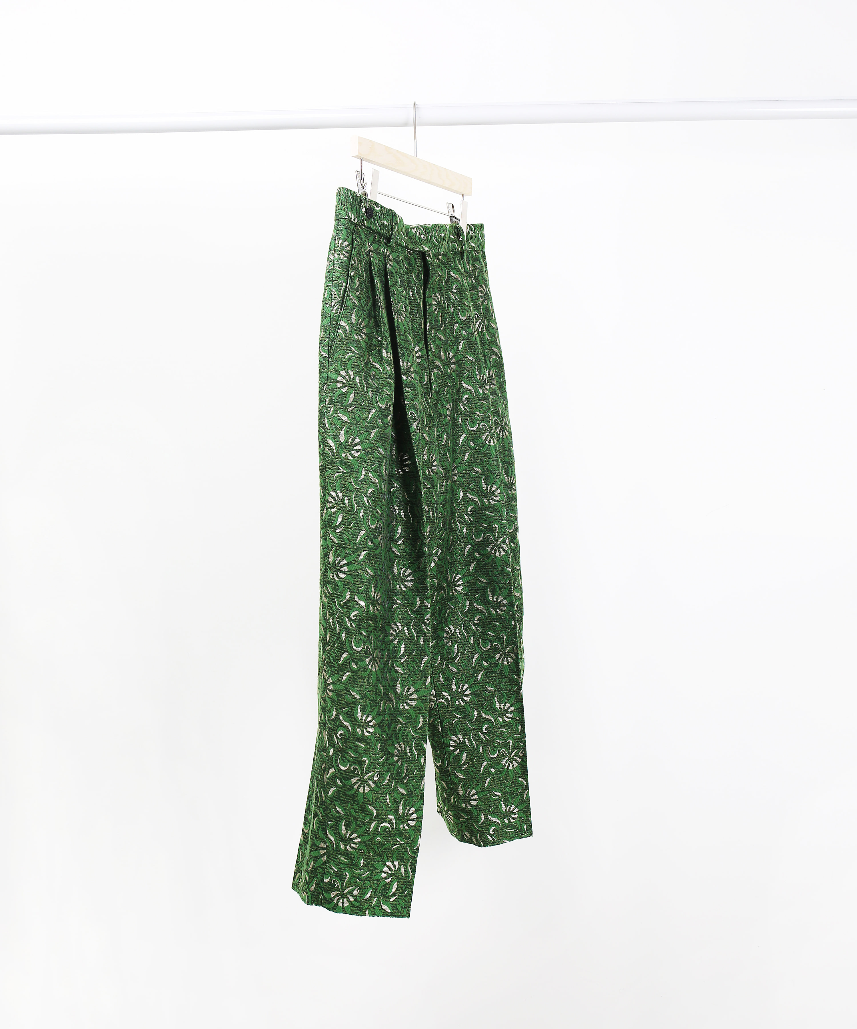 [DISTANCE] GREEN LEAF JACQUARD TWO-TUCK WIDE TAPERD PANTS