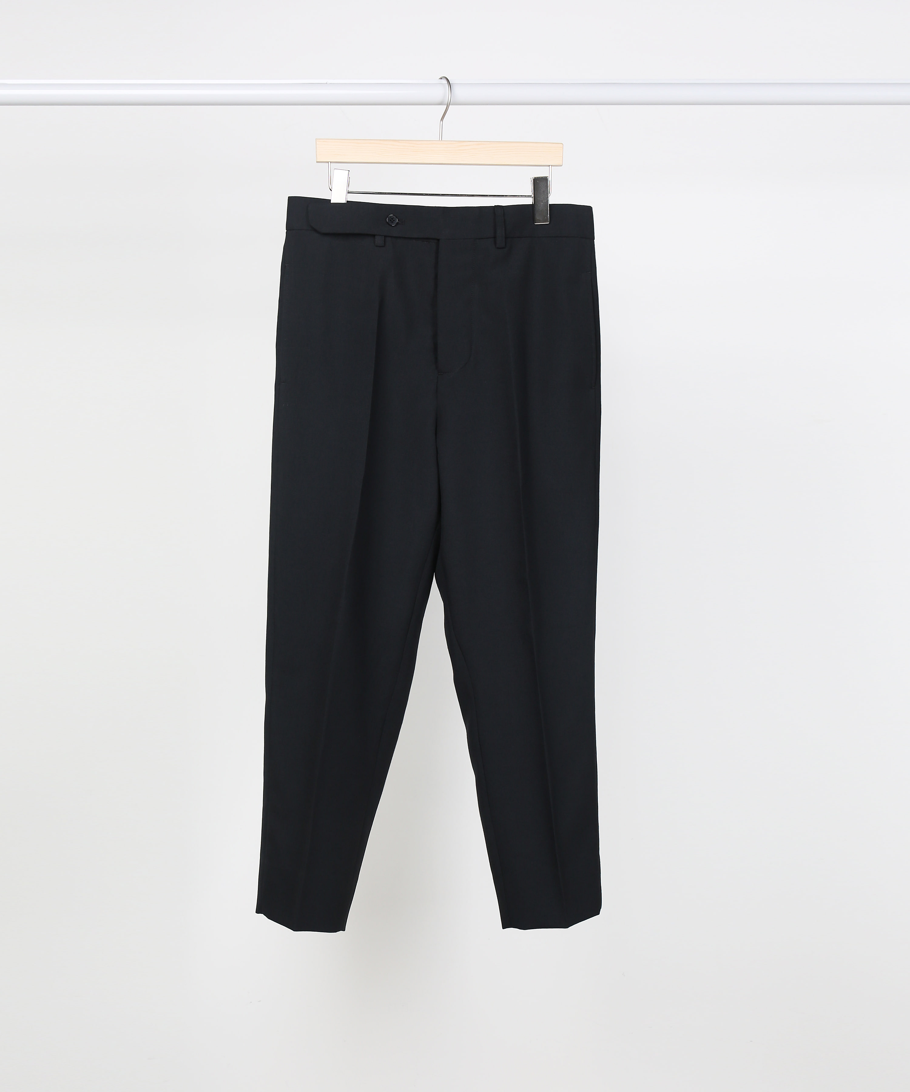 BLACK NO TUCK TAILORED PANTS.01