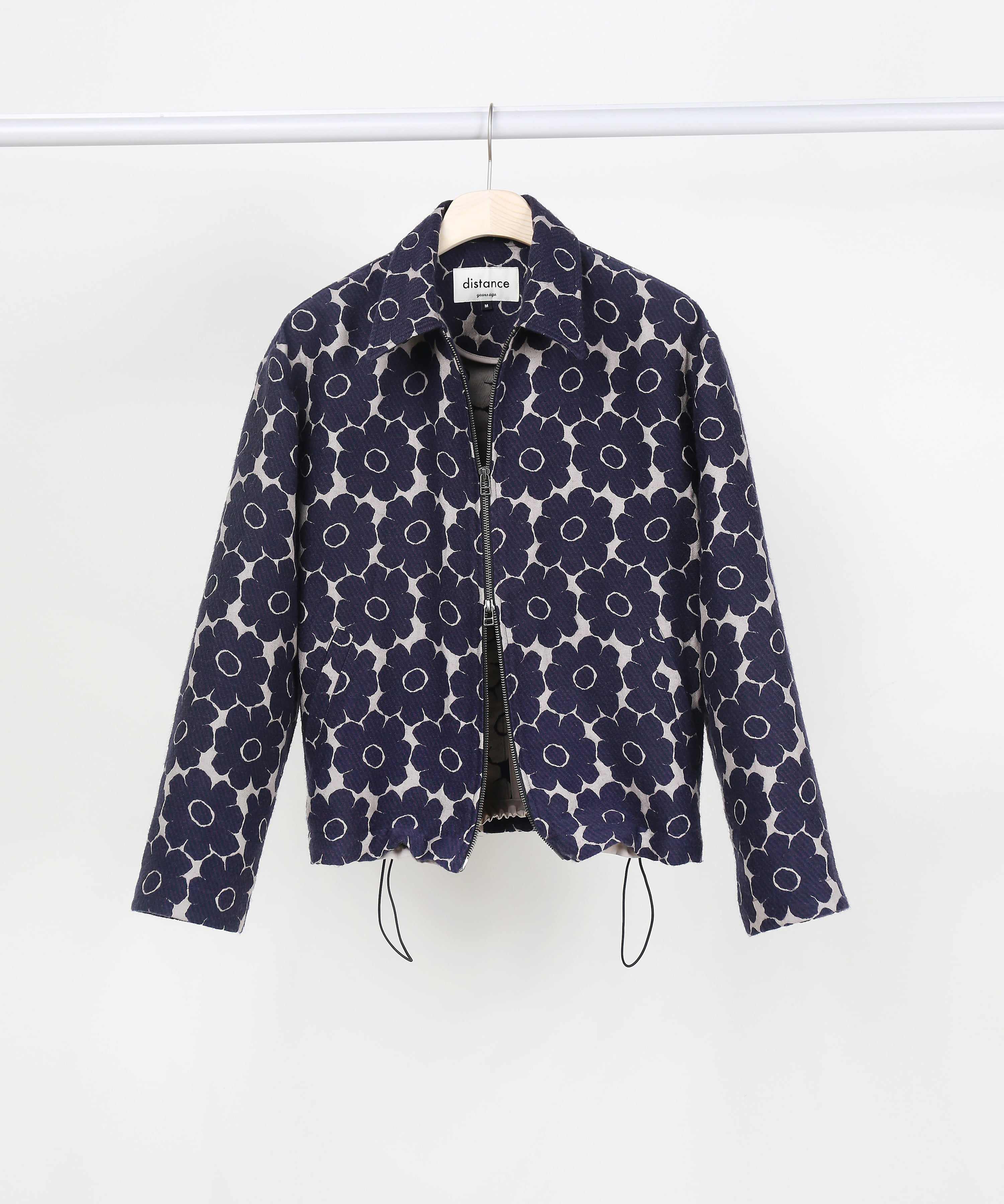 [DISTANCE] FLORAL JACQUARD TWO-WAY ZIP UP BLOUSON