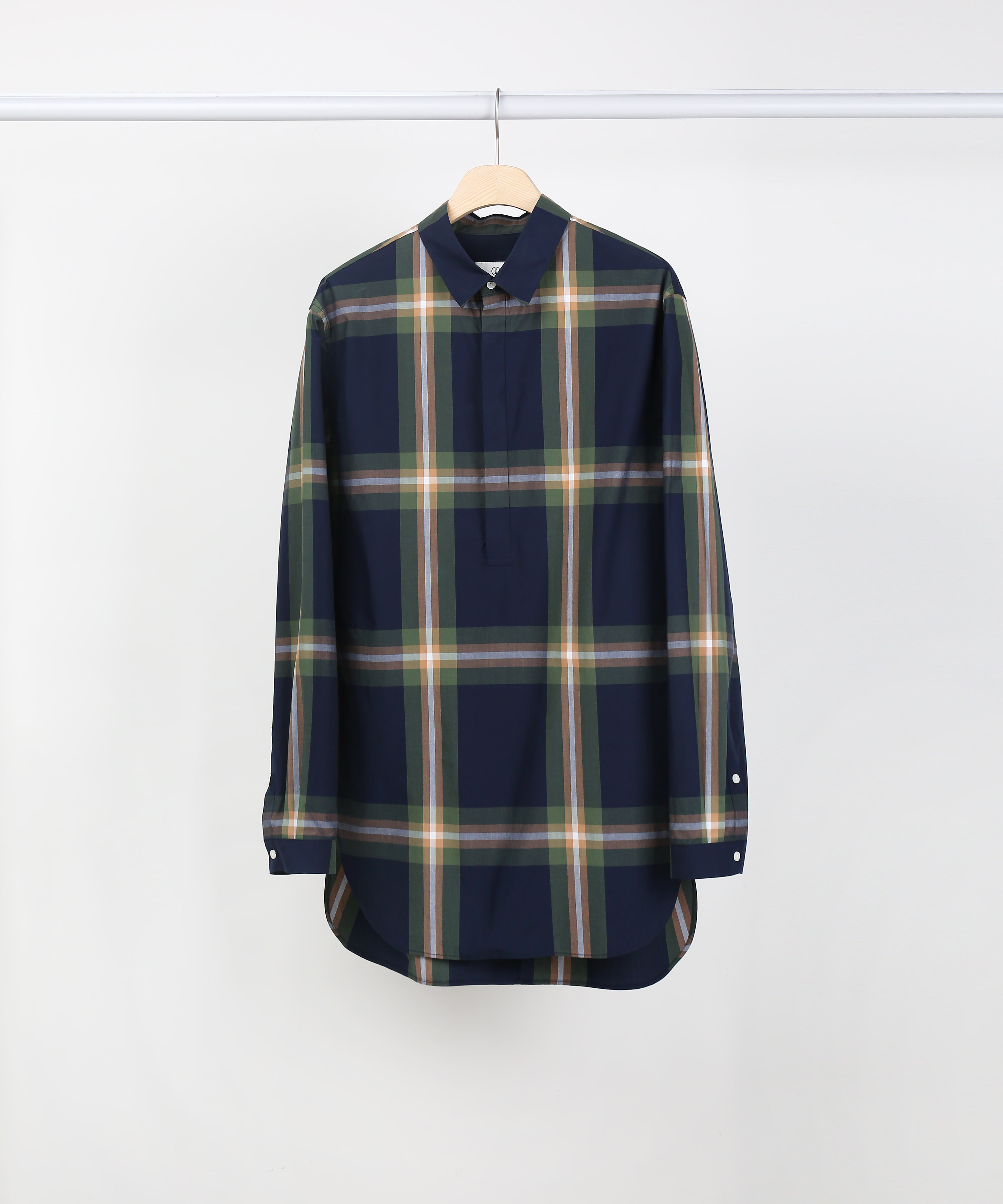 NAVY CHECK APICAL PULL OVER SHIRTS