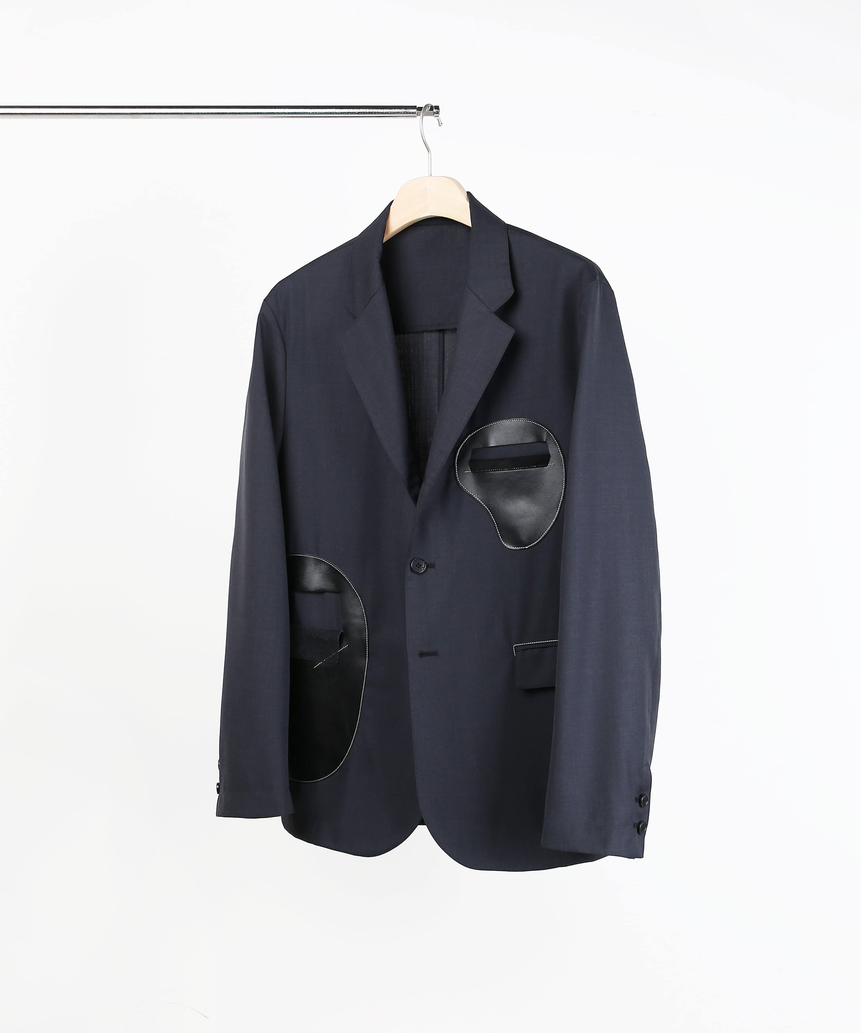 LEATHER PATCH 3 BUTTON BLAZER CHARCOAL