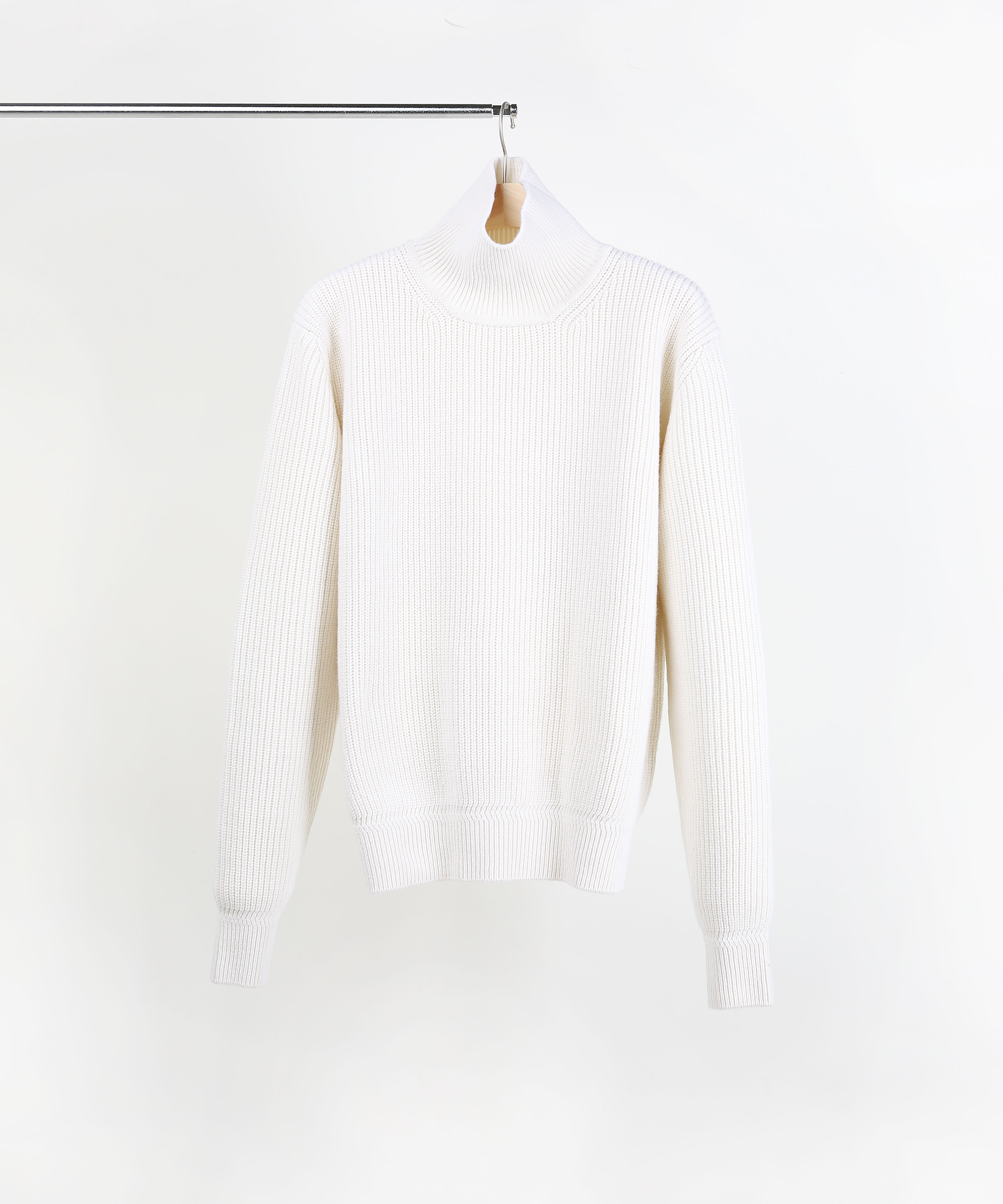 IVORY ROVER WOOL KNIT TURTLENECK