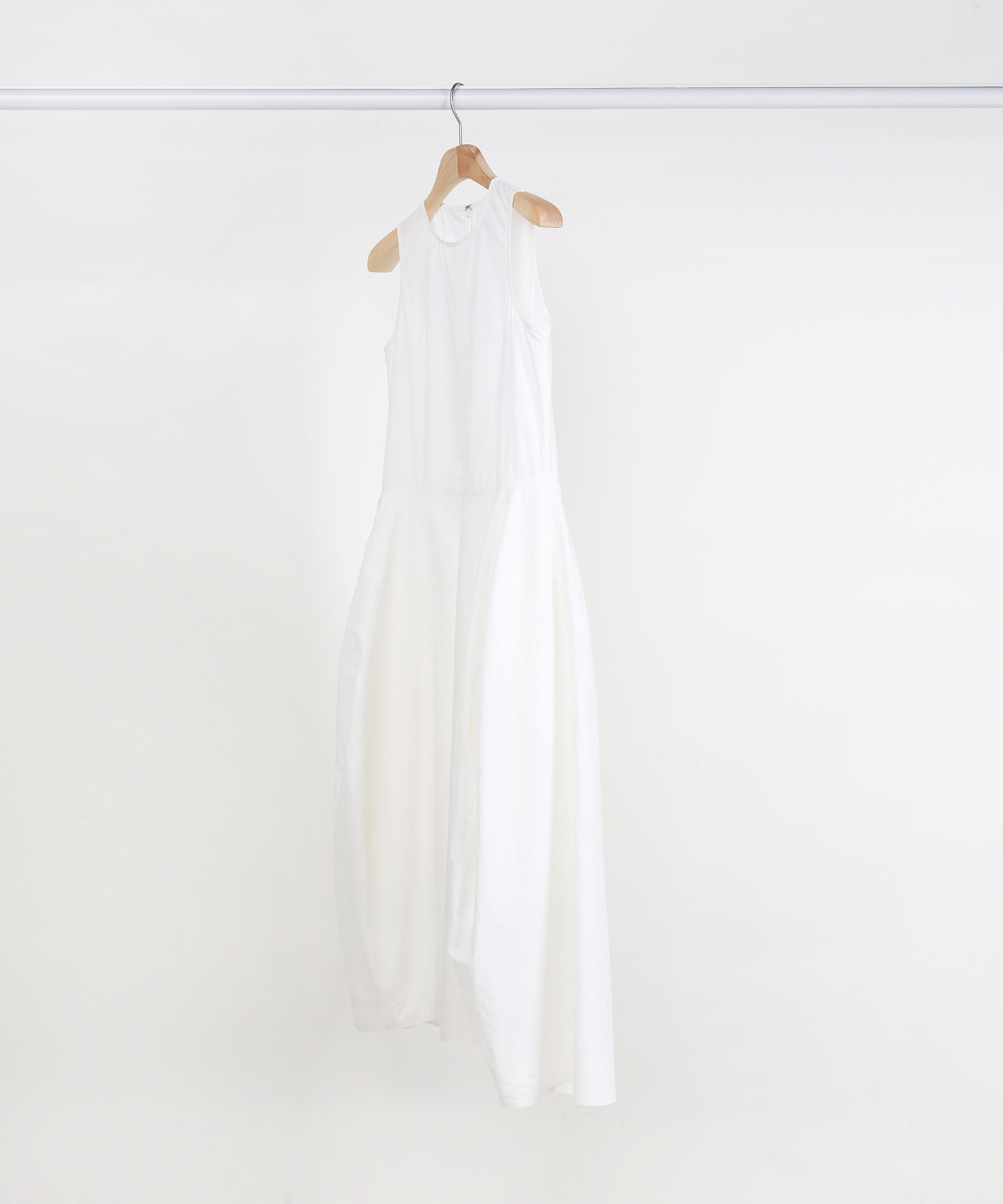 WHITE FLARING COTTON SLEEVELESS LONG DRESS