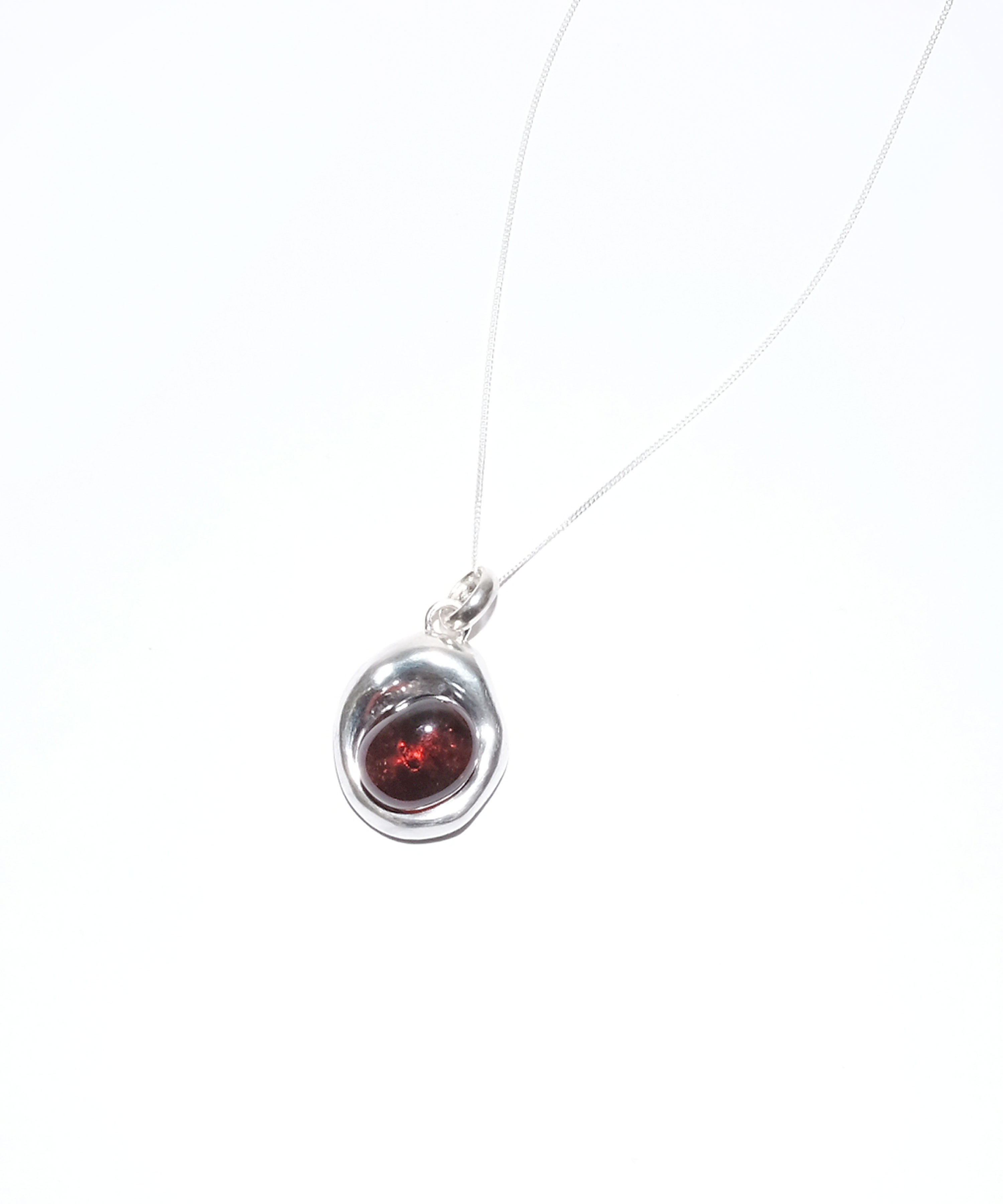 GLASS STONE NECKLACE